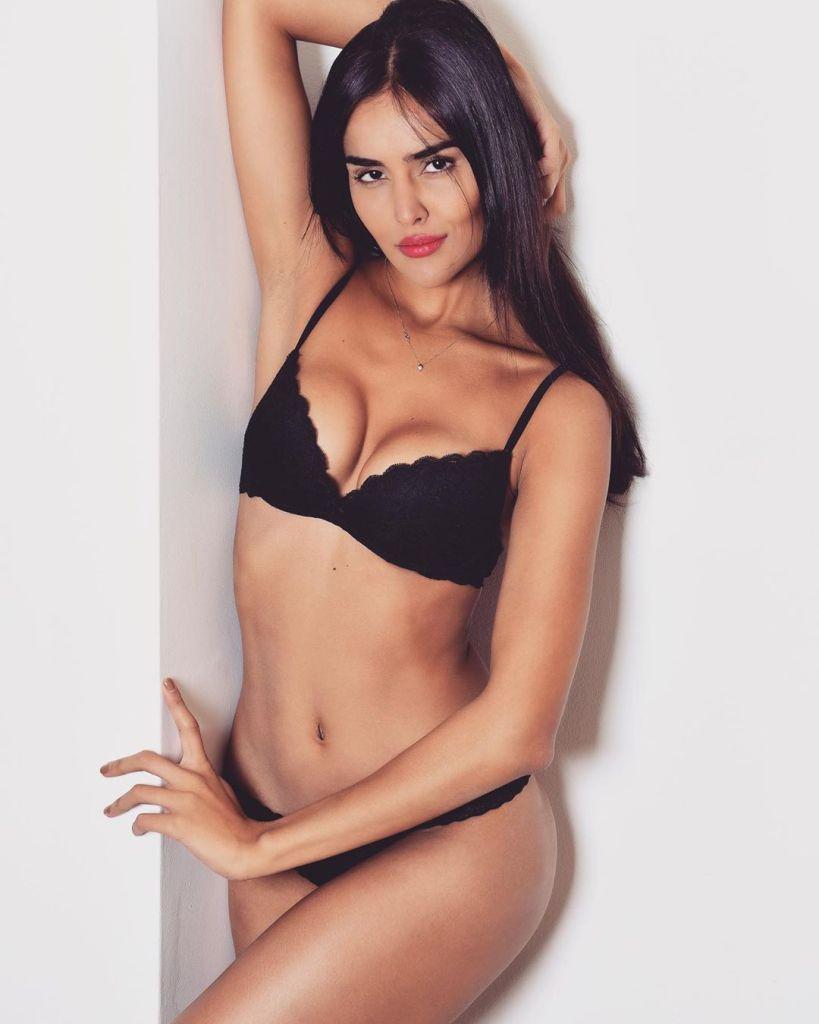 37+ Glamorous Photos of Nathalia Kaur 28