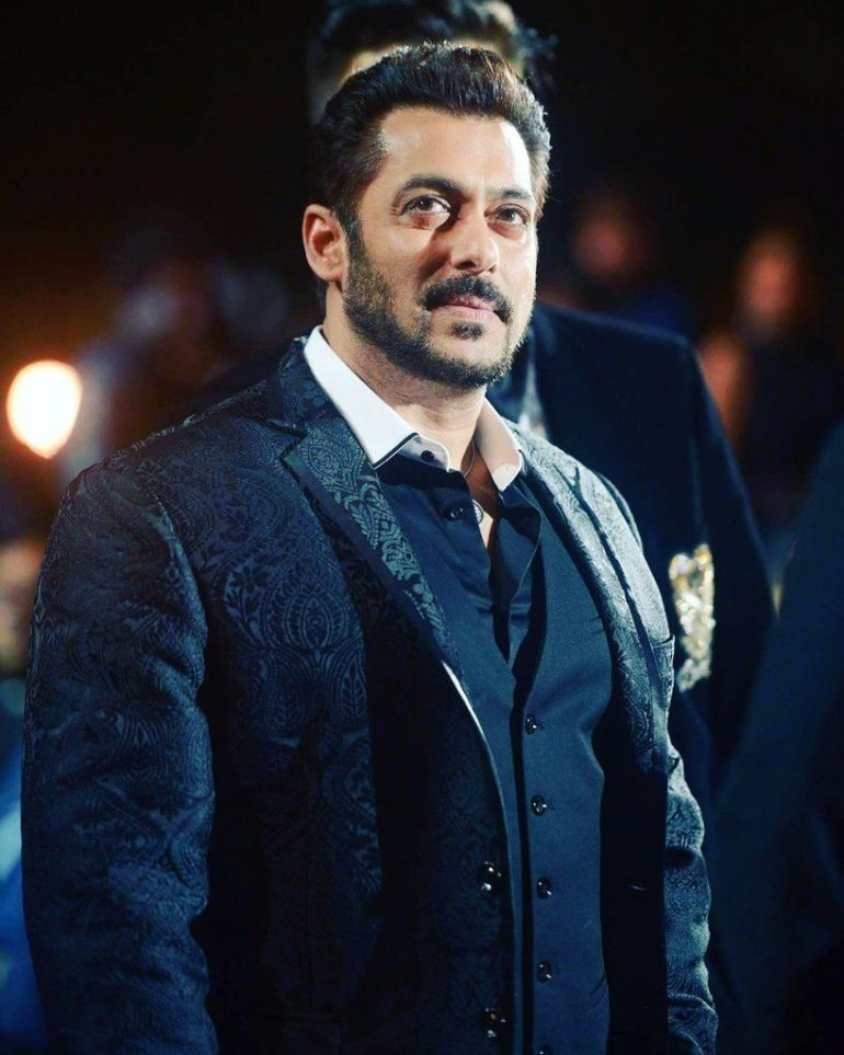 Salman Khan Wiki, Age, Family, Movies, HD Photos, Biography, and More 15