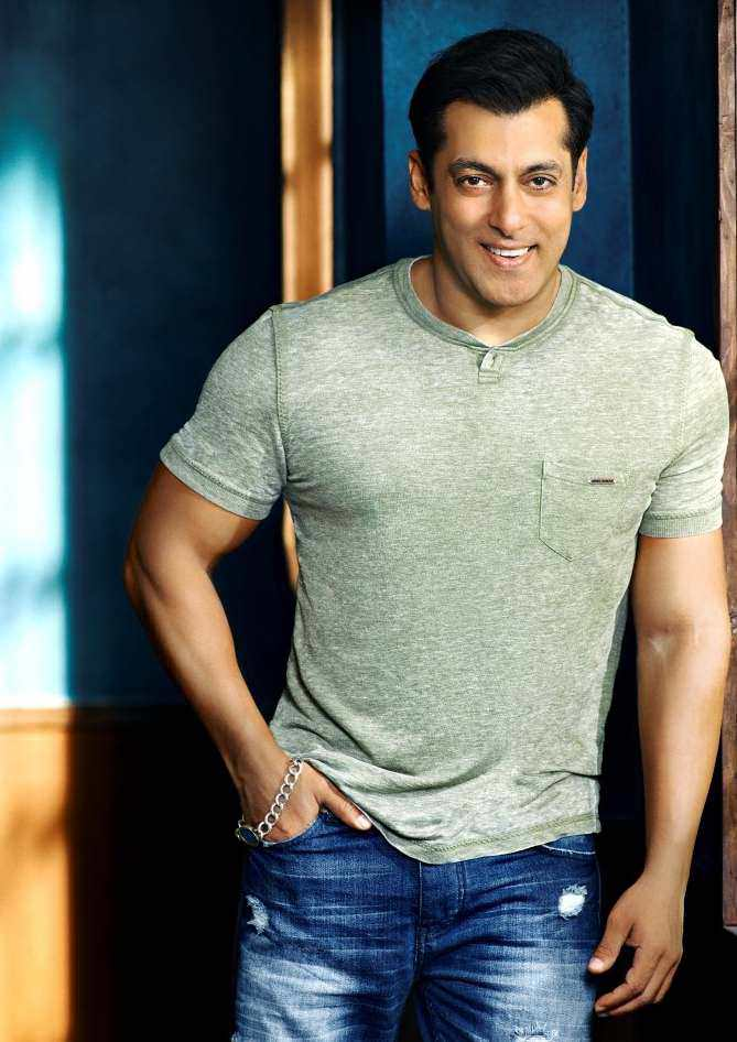 Salman Khan Wiki, Age, Family, Movies, HD Photos, Biography, and More 16