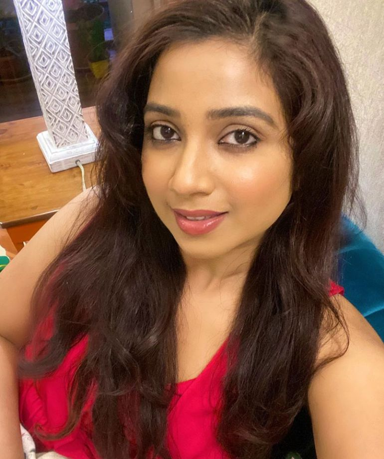 Shreya Ghoshal Wiki, Age, Family, Movies, HD Photos, Biography, and More 90