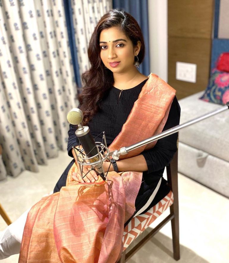 Shreya Ghoshal Wiki, Age, Family, Movies, HD Photos, Biography, and More 93
