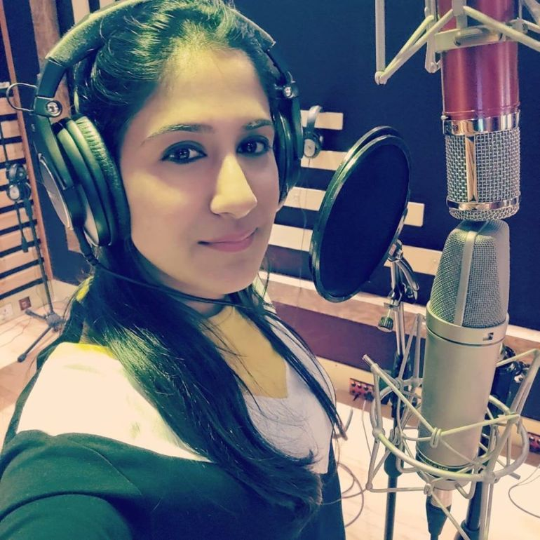 Shweta Mohan Wiki, Age, Family, Movies, HD Photos, Biography, and More 4