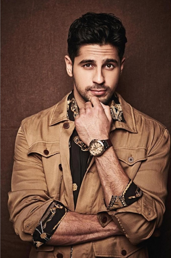 Sidharth Malhotra Wiki, Age, Family, Movies, HD Photos, Biography, and More 3