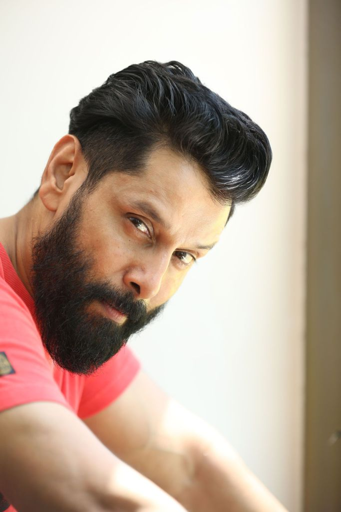 Vikram Wiki, Age, Family, Movies, HD Photos, Biography, and More 94
