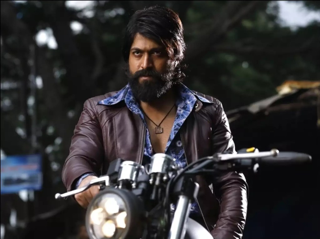 Yash Wiki, Age, Family, Movies, HD Photos, Biography, and More 11