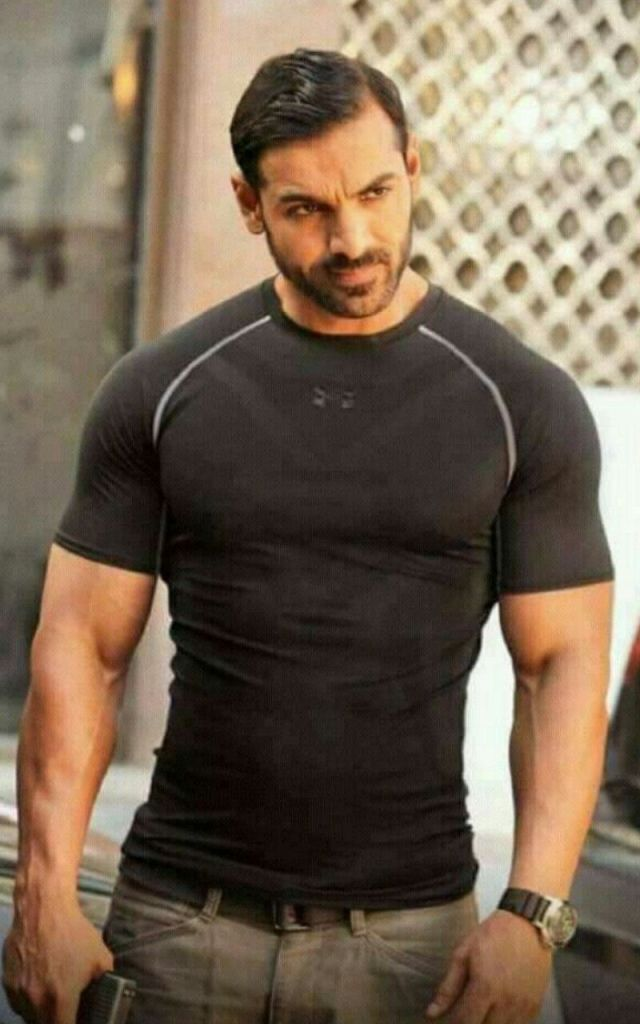 John Abraham Wiki, Age, Family, Movies, HD Photos, Biography, and More 4