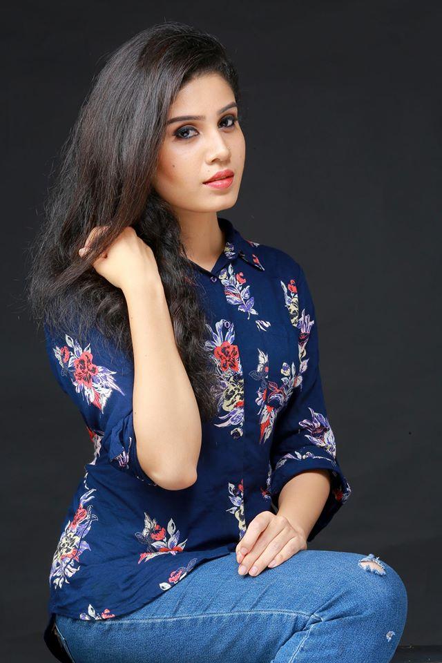 45+ Gorgeous Photos of Miss South India Lakshmi Menon 3