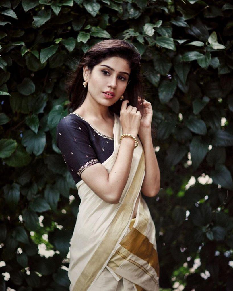 45+ Gorgeous Photos of Miss South India Lakshmi Menon 111