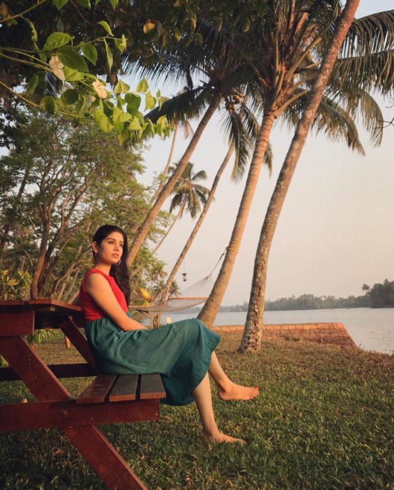 45+ Gorgeous Photos of Miss South India Lakshmi Menon 128
