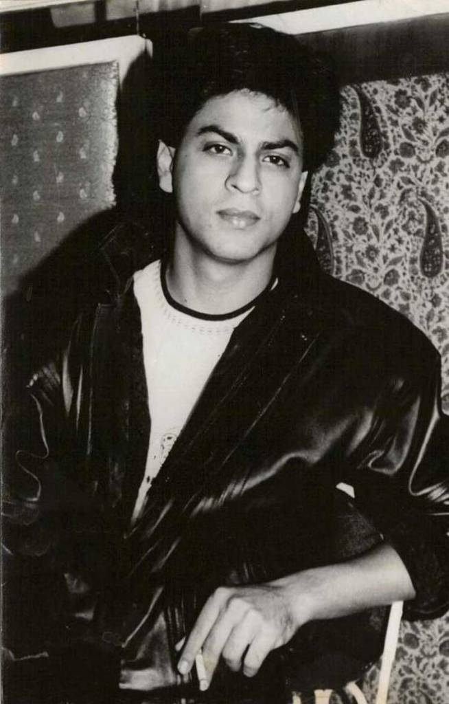 Shahrukh Khan Wiki, Age, Family, Movies, HD Photos, Biography, and More 88