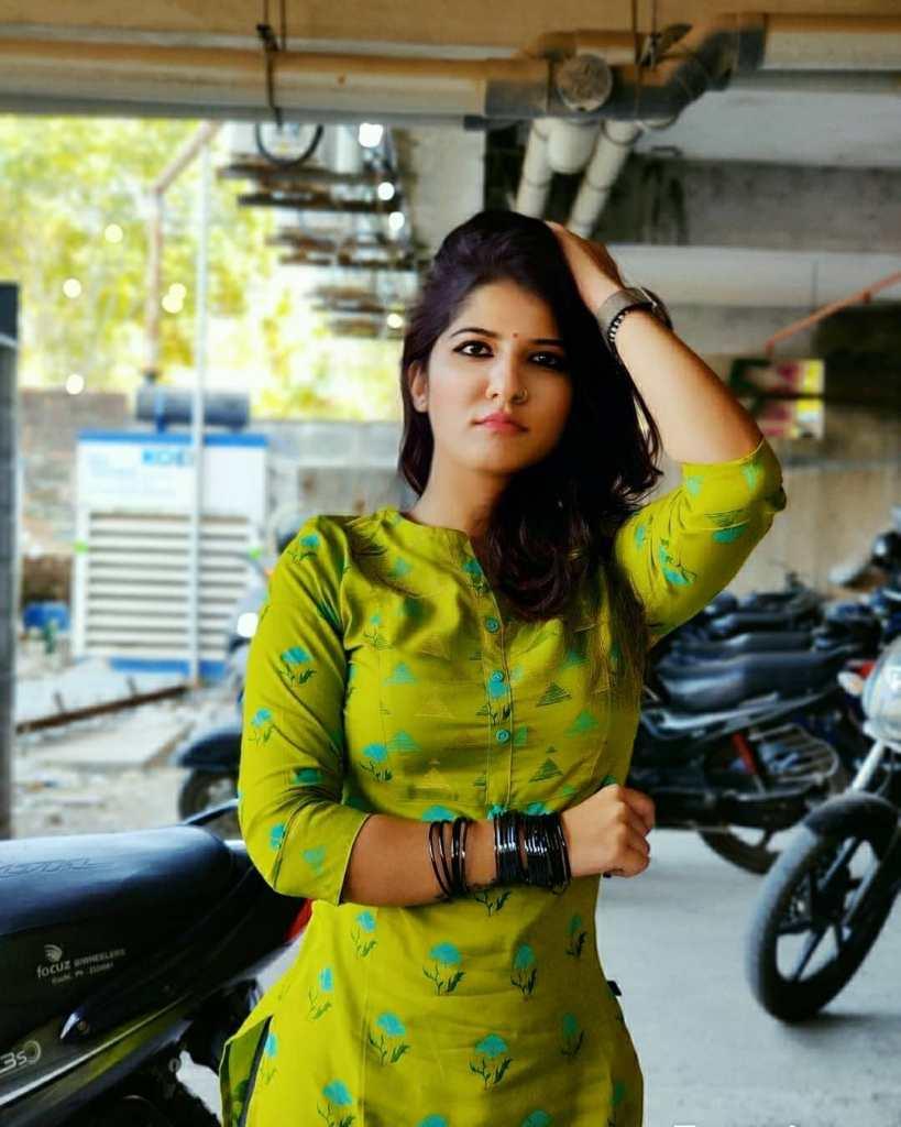 42+ Gorgeous Photos of Aswathy S Nair 21