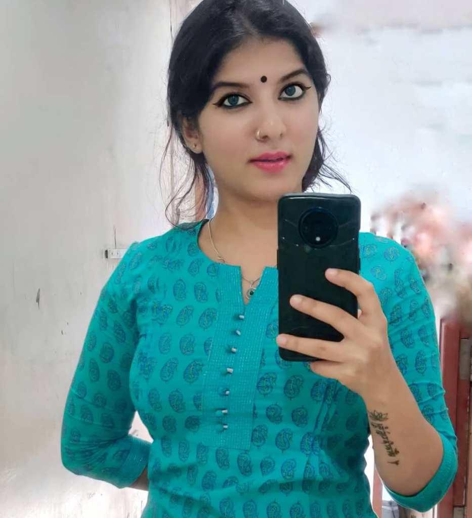 42+ Gorgeous Photos of Aswathy S Nair 4