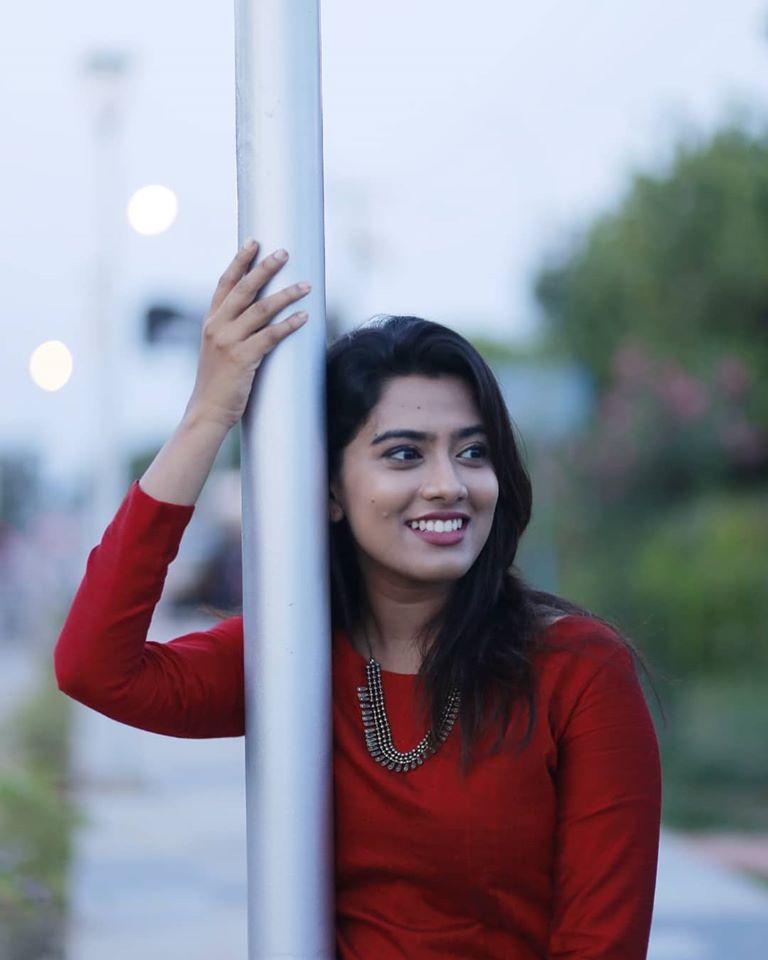 Dayyana Hameed 27+ Beautiful Photos, Wiki, Age, Biography, and Movies 87