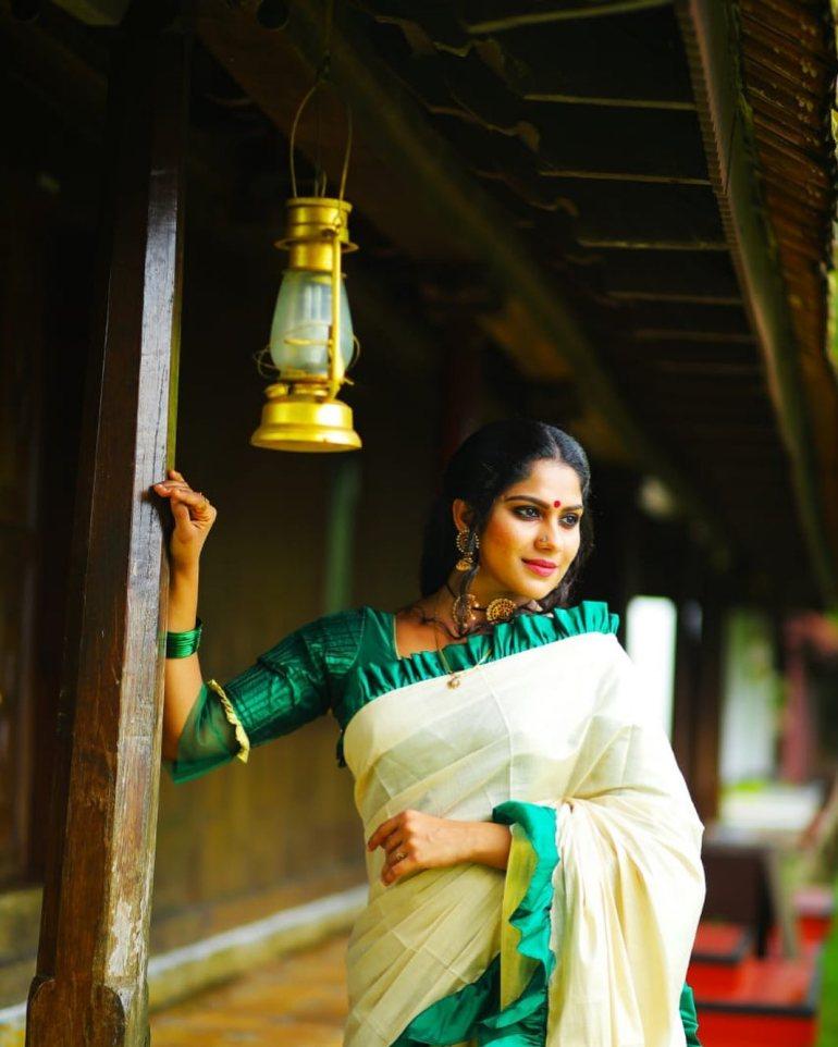 Swasika Vijay 27+ Beautiful Photos, Wiki, Age, Biography, and Movies 103