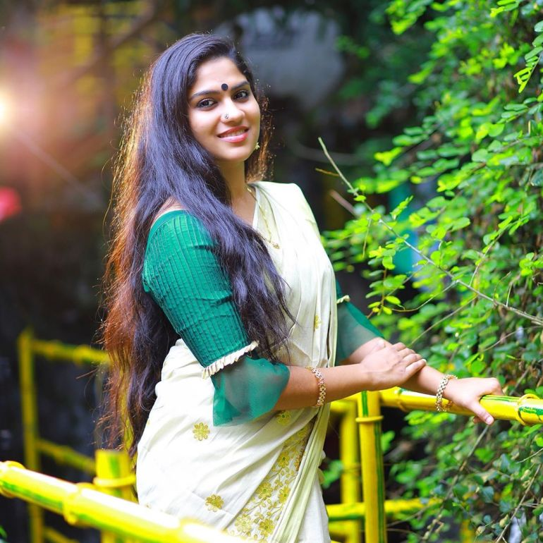 Swasika Vijay 27+ Beautiful Photos, Wiki, Age, Biography, and Movies 87