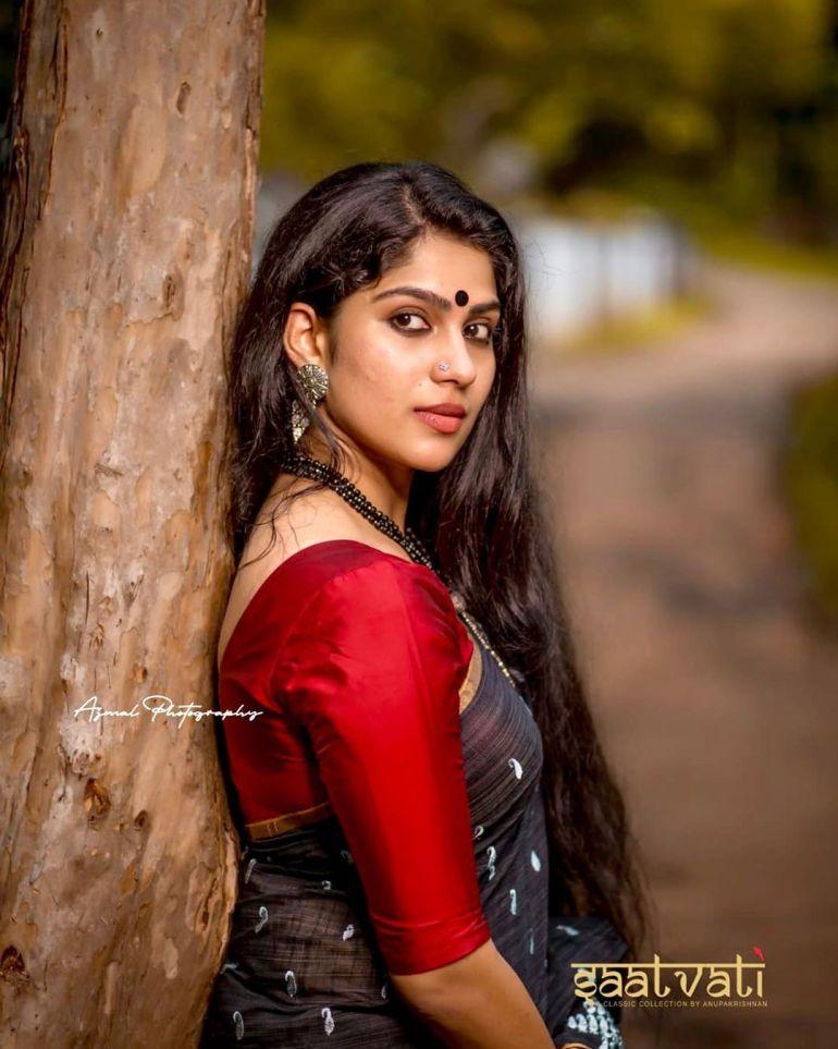 Swasika Vijay 27+ Beautiful Photos, Wiki, Age, Biography, and Movies 112