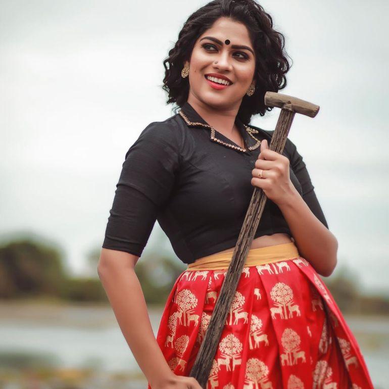 Swasika Vijay 27+ Beautiful Photos, Wiki, Age, Biography, and Movies 91