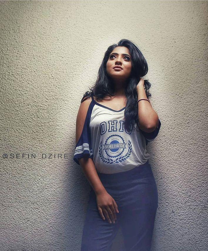 21+ Lovely Photos of Nandana Varma 22
