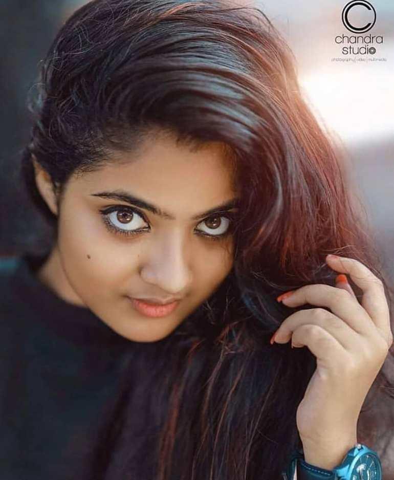 21+ Lovely Photos of Nandana Varma 12