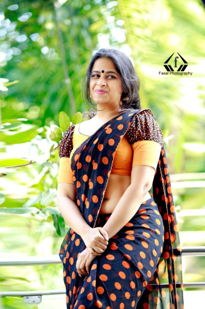 Sadhika Venugopal 39+ Beautiful Photos, Wiki, Age, Biography, and Movies 74