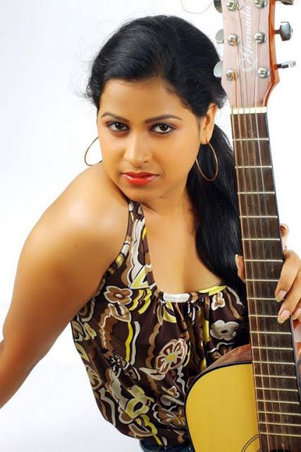 Sadhika Venugopal 39+ Beautiful Photos, Wiki, Age, Biography, and Movies 85