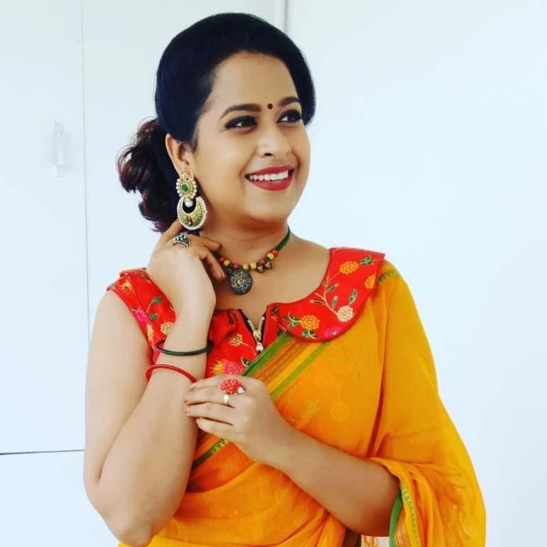 Sadhika Venugopal 39+ Beautiful Photos, Wiki, Age, Biography, and Movies 54