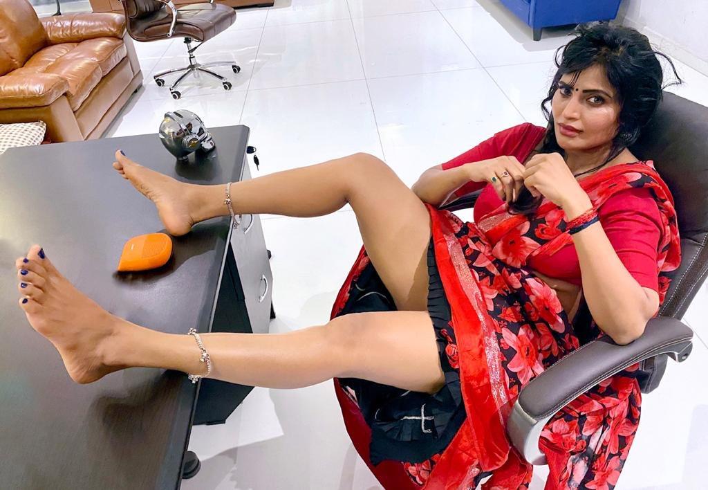 24+ Stunning Photos of Shree Rapaka (aka Sweety Naked Nanga Nagnam Movie Fame) 24