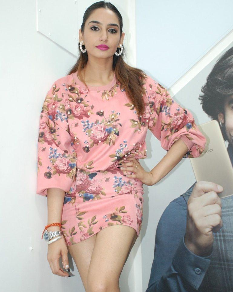 36+ Beautiful Photos of Ragini Dwivedi 37