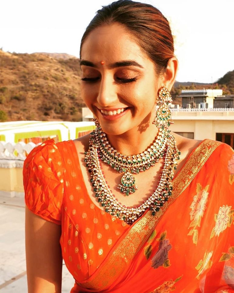 36+ Beautiful Photos of Ragini Dwivedi 7