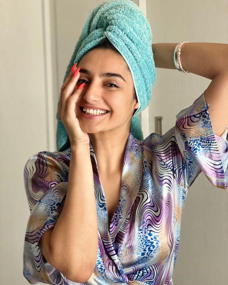 36+ Beautiful Photos of Ragini Dwivedi 8