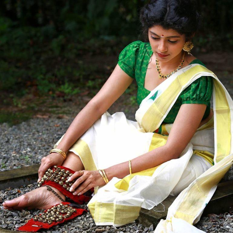 Shruthi Rajanikanth (Sruthi Rajanikanth) Wiki, Age, Biography, Movies, Serial and Beautiful Photos 99