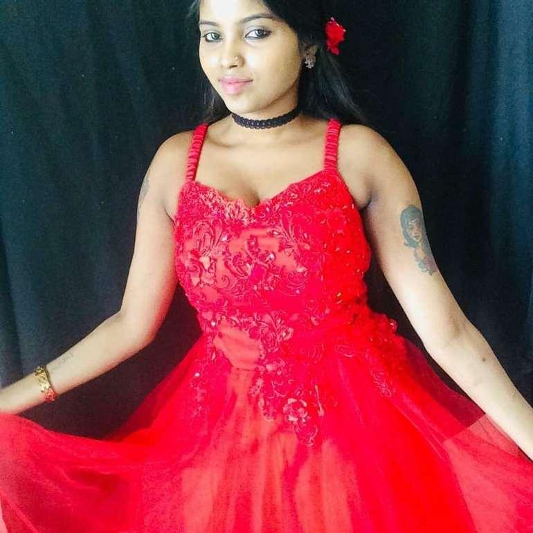 Tik Tok Star and Model Elakkiya Wiki, Age, Biography, and Glamorous Photos 25