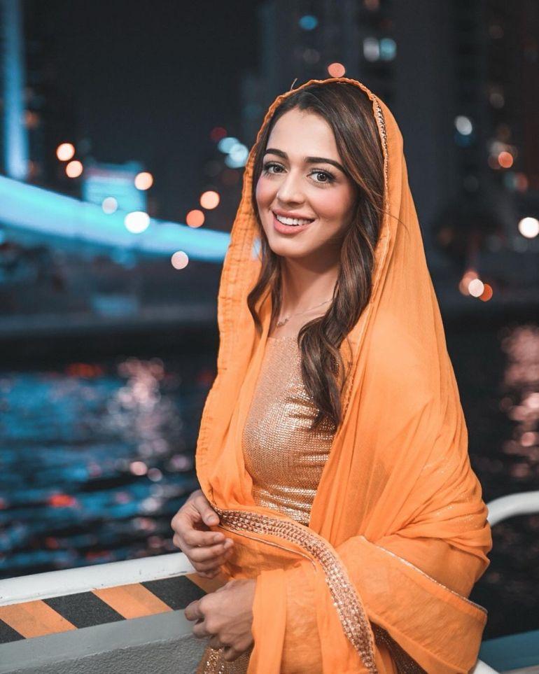 Jumana Khan Wiki, Age, Biography, Movies, Tik Tok, and Gorgeous Photos 92