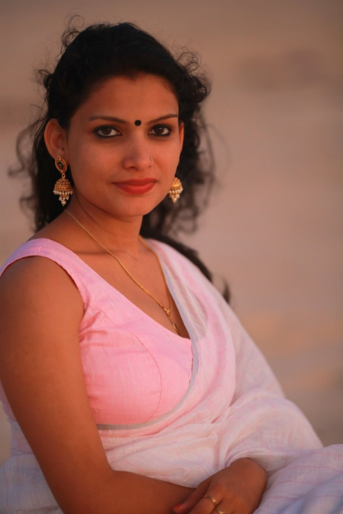 Resmi R Nair 42+ Glamorous Photos, Wiki, Age, and Biography 19