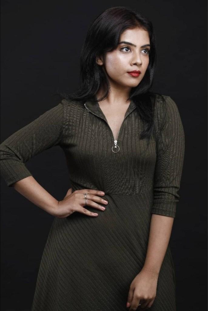 Vidhya Vijayakumar Stunning Photos, Biography, Wiki, Husband, Family, Instagram 33