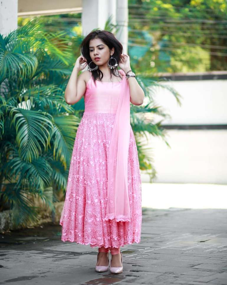 Vidhya Vijayakumar Stunning Photos, Biography, Wiki, Husband, Family, Instagram 40