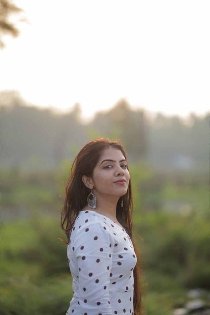 Vidhya Vijayakumar Stunning Photos, Biography, Wiki, Husband, Family, Instagram 12