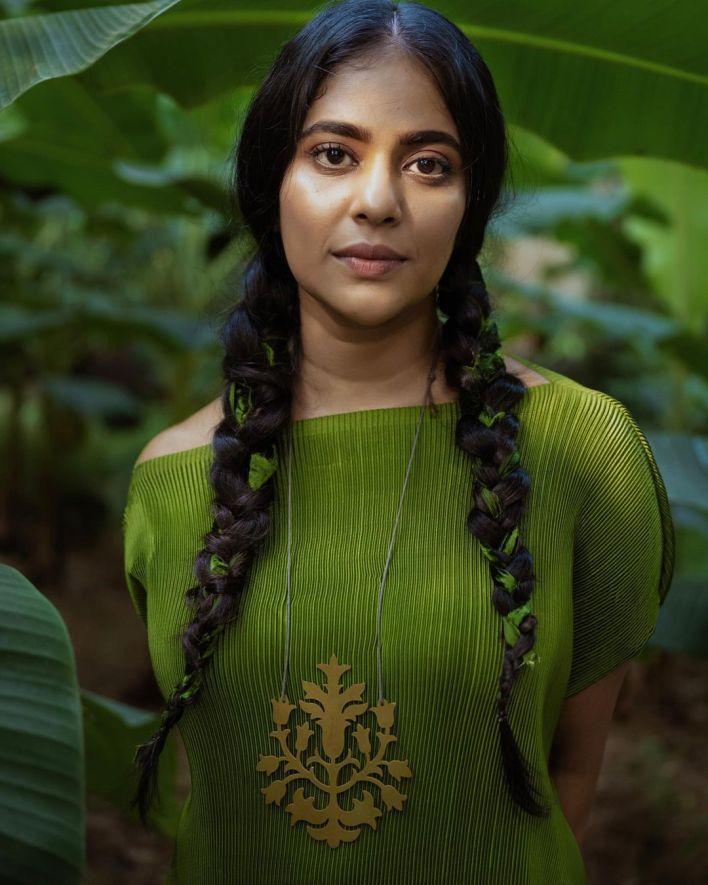 Srindaa/ Srinda 24+ Top Glamorous Photos 10