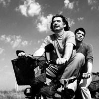 videodrome - Ο ΚΟΣΜΟΣ ΕΙΝΑΙ ΜΕΓΑΛΟΣ ΚΑΙ Η ΣΩΤΗΡΙΑ ΤΗΣ ΨΥΧΗΣ ΒΡΙΣΚΕΤΑΙ ΣΤΗ ΓΩΝΙΑ του Στεφάν Κομαντάρεφ