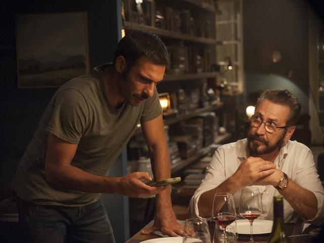 Skvělá konverzační komedie Naprostí cizinci už brzo ve Filmovém OKU Havlíčkův Brod