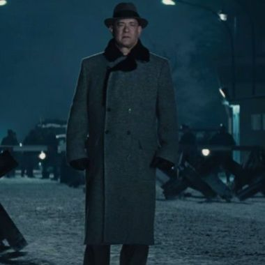 Bridge of Spies Review |Tom Hanks shines in an engrossing real-life Cold War story