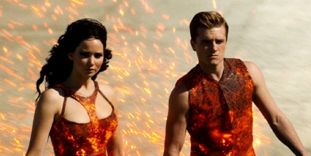 jennifer-Lawrence-on-fire-in-New-Hunger-Games-Catching-Fire-Trailer