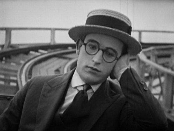 Harold Lloyd - bigger than Chaplin?