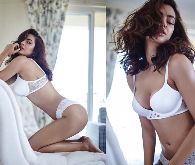 Regarded As Angelina Jolie Of Bollywood She Never Fails To Amaze Her Fans Her Instagram Is Filled With Her Sultry And Sexy Pictures
