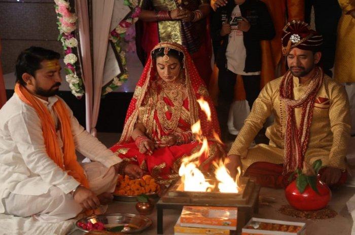 Akshara Singh and Nirahua-Filmynism
