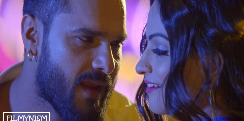 Khesarilal Yadav and Mohini Varshney in Dupatta Katal Kare-Filmynism