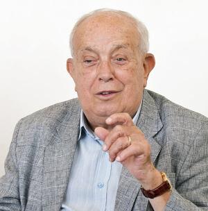 Gilberto Mendonça Teles