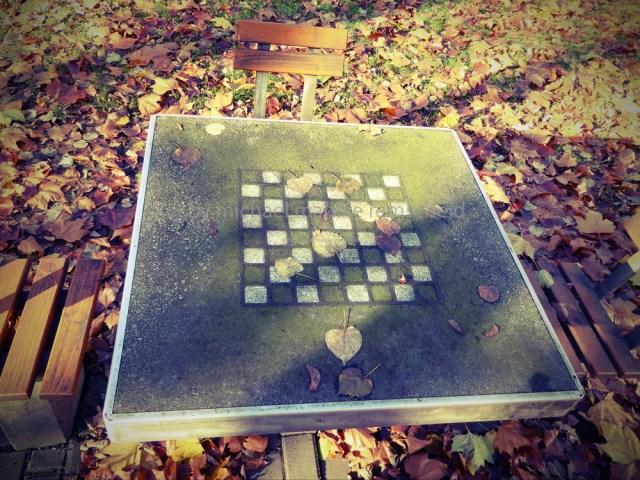 Schachmatt - Blätterschach von Michael Mahlke