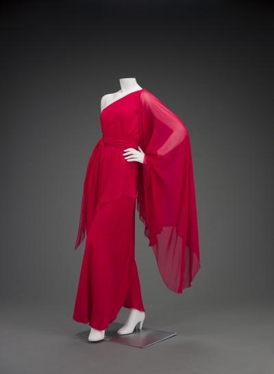 Halston, Evening ensemble dress, 1970, Silk chiffon, courtesy of the Indianapolis Museum of Art