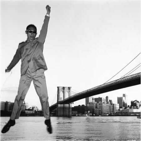 Tseng Kwong Chi, New York New York (Brooklyn Bridge), 1979, silver gelatin print (all images courtesy Muna Tseng Dance Projects, Inc. New York)